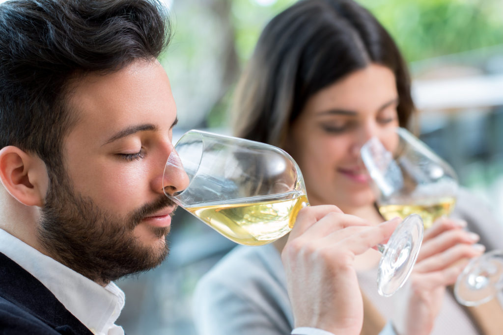 Which white wines are dry